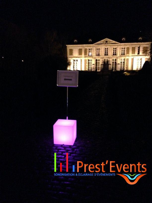 Mobiled totemled centerbox lumibox dekobox elecbox for Cube lumineux exterieur sans fil